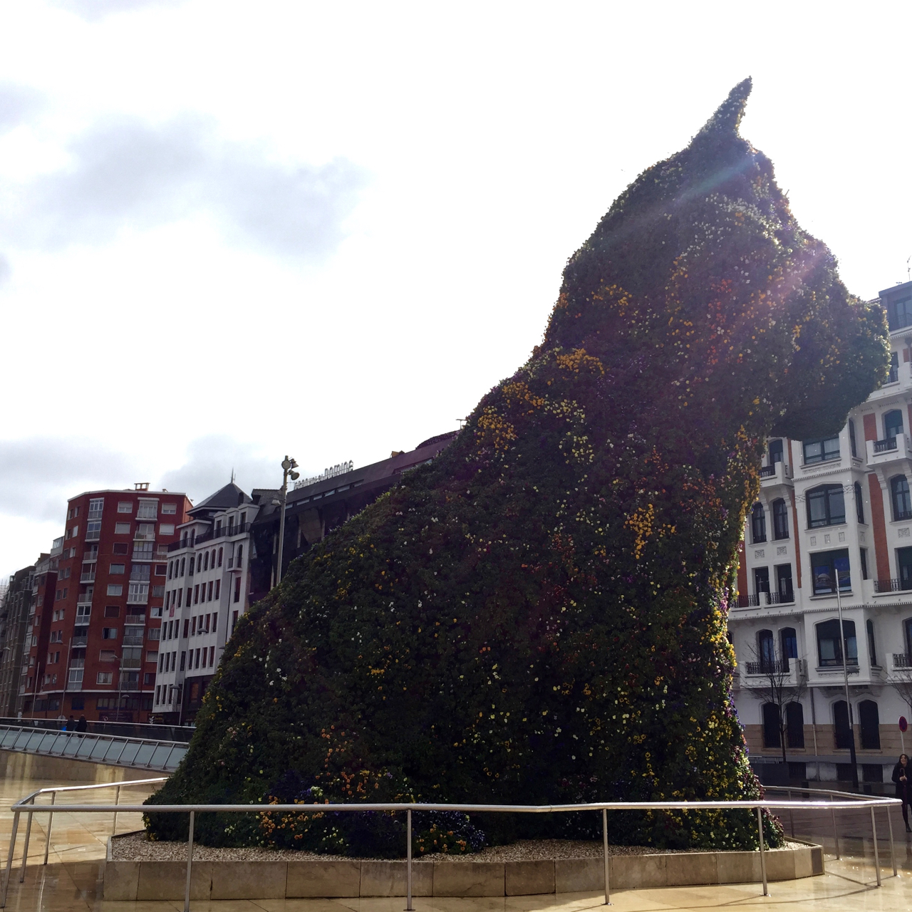 puppy jeff koons bilbao spain