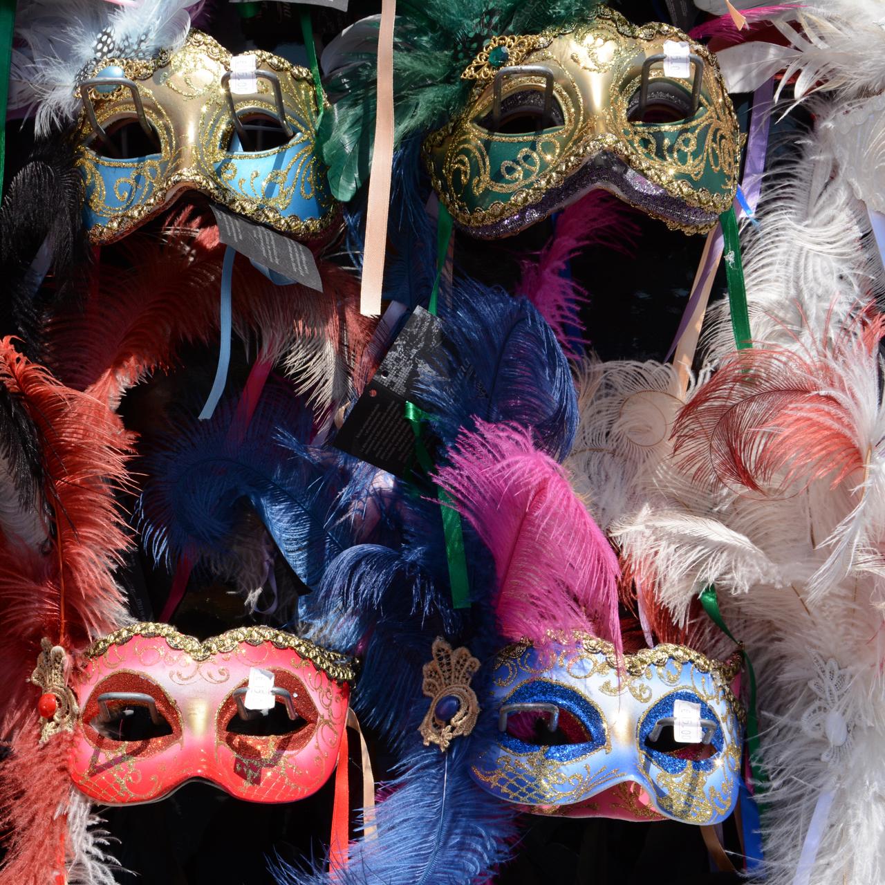 venician mask shopping