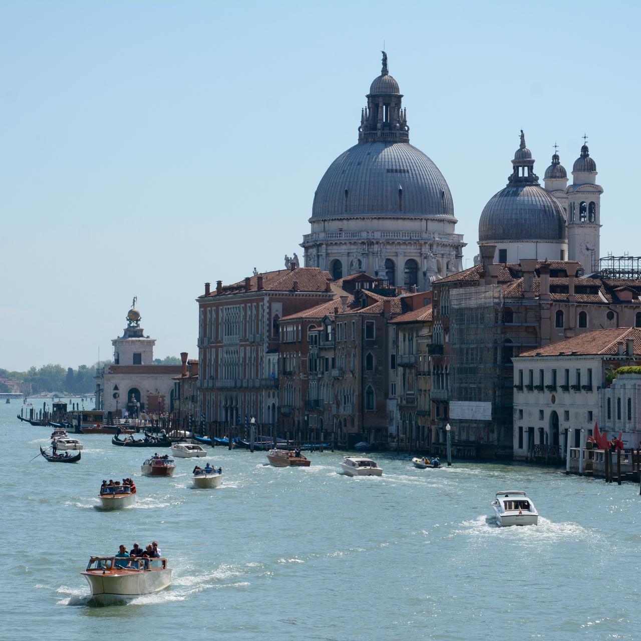 boats gondolieri canal grande venice