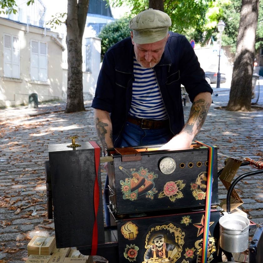 Paris France montmatre organ player