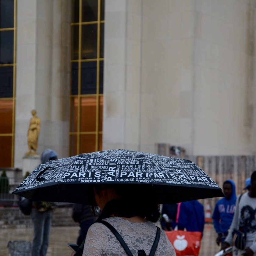 paris trocadero tourist umbrella
