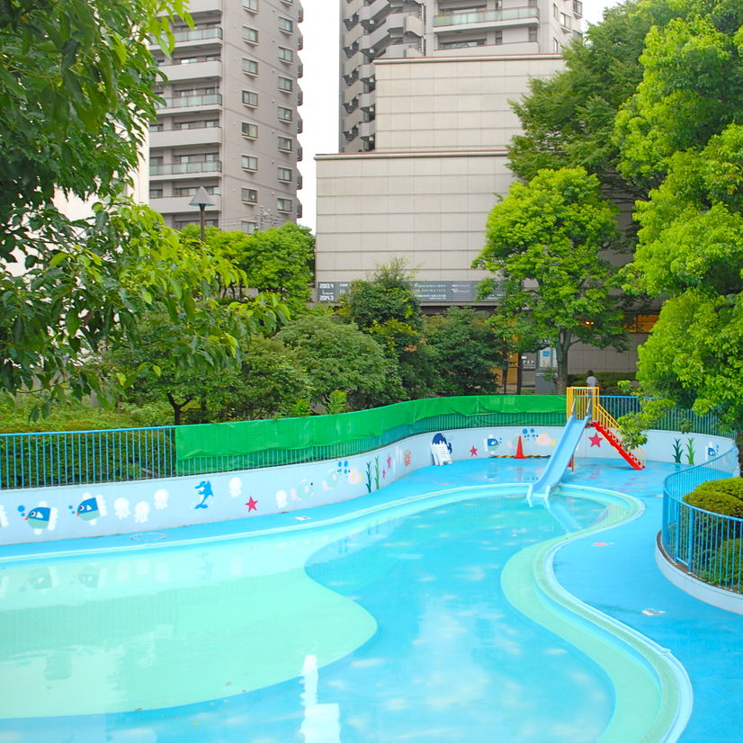 travel with children kids japan tokyo meguro outdoor swimming paddling pool