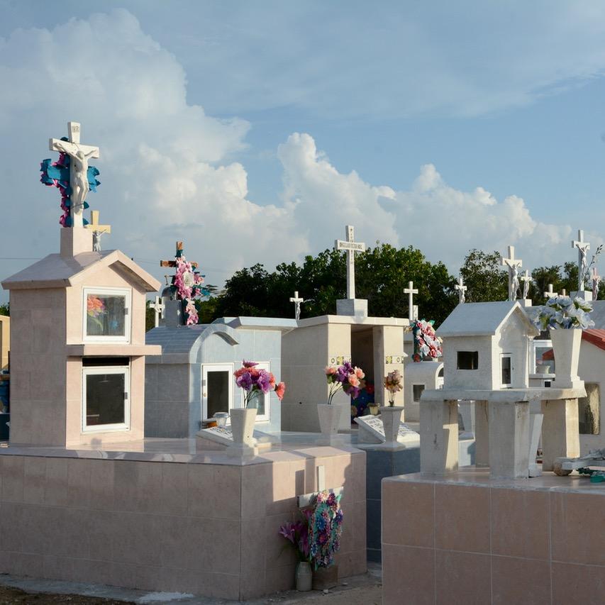 Travel with children kids mexico rio lagartos graves