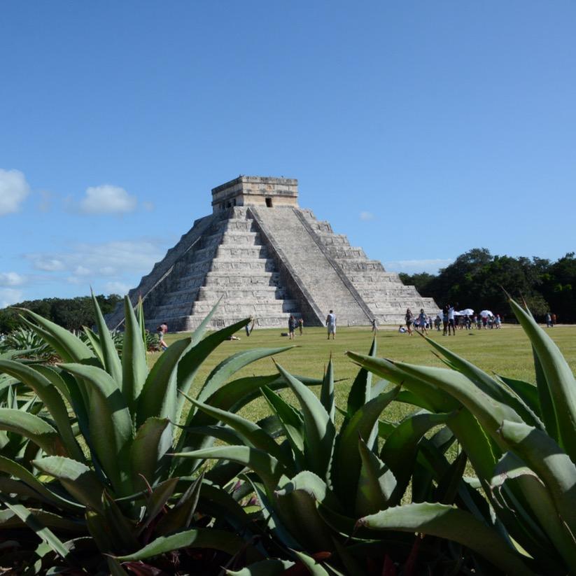 travel with children kids mexico chichen itza el castillo