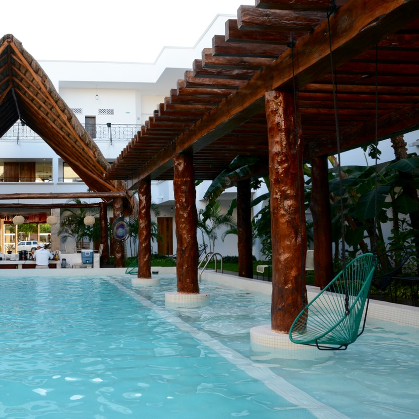 travel with kids children mexico playa del carmen hotel hm
