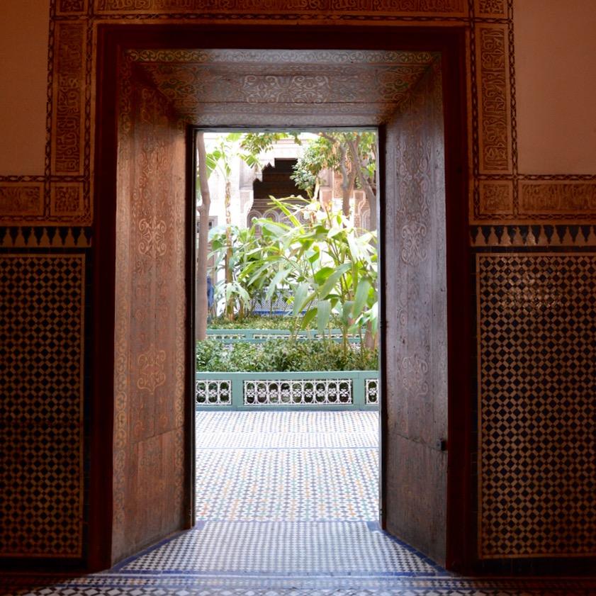 travel with children kids morocco marrakech bahia palace doorway