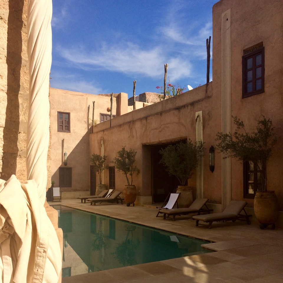 travel with kids children morocco marrakech hotel caravanserai pool