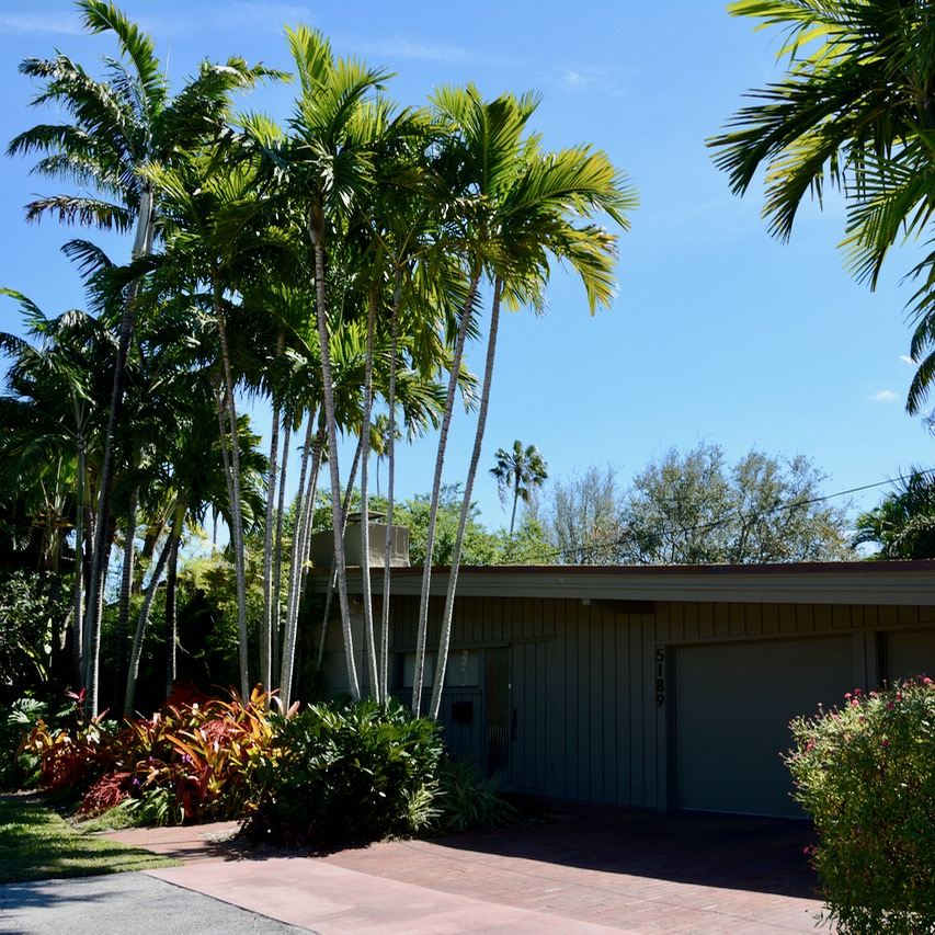 travel with kids children miami south beach art deco bungalow architecture