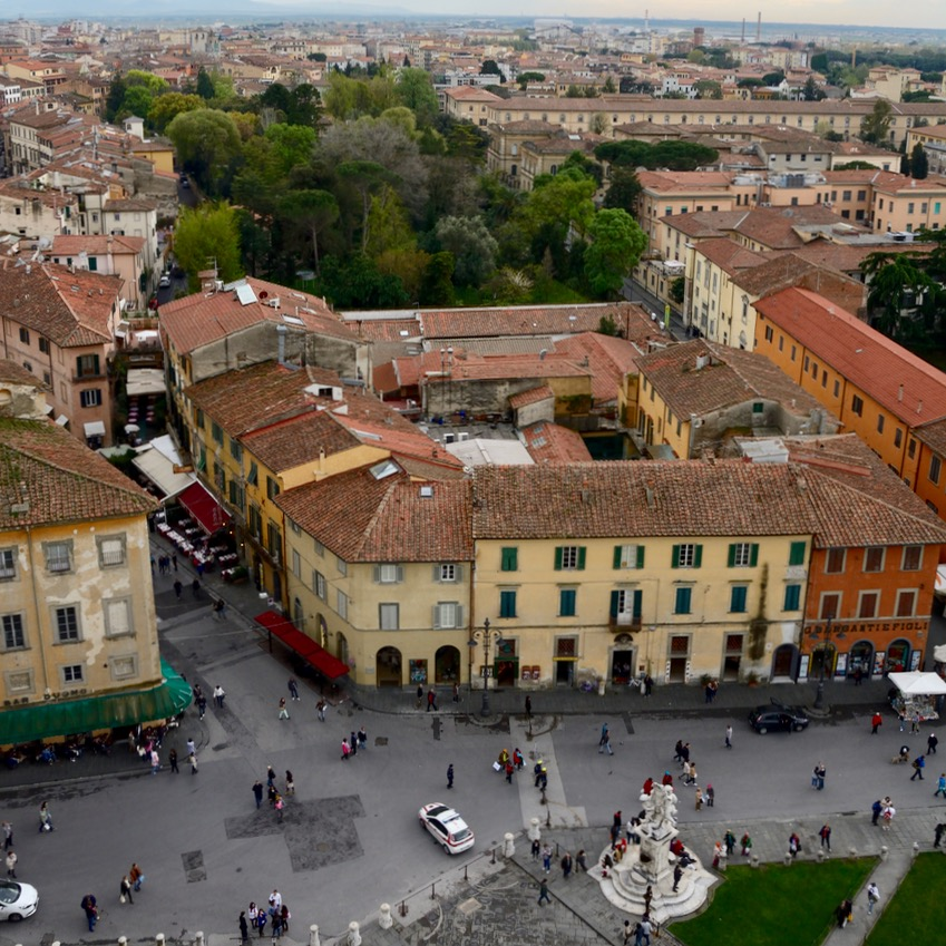 travel with kids children pisa italy leaning tower view streets