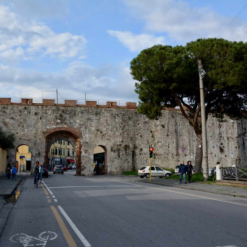 travel with kids children pisa italy medieval city wall