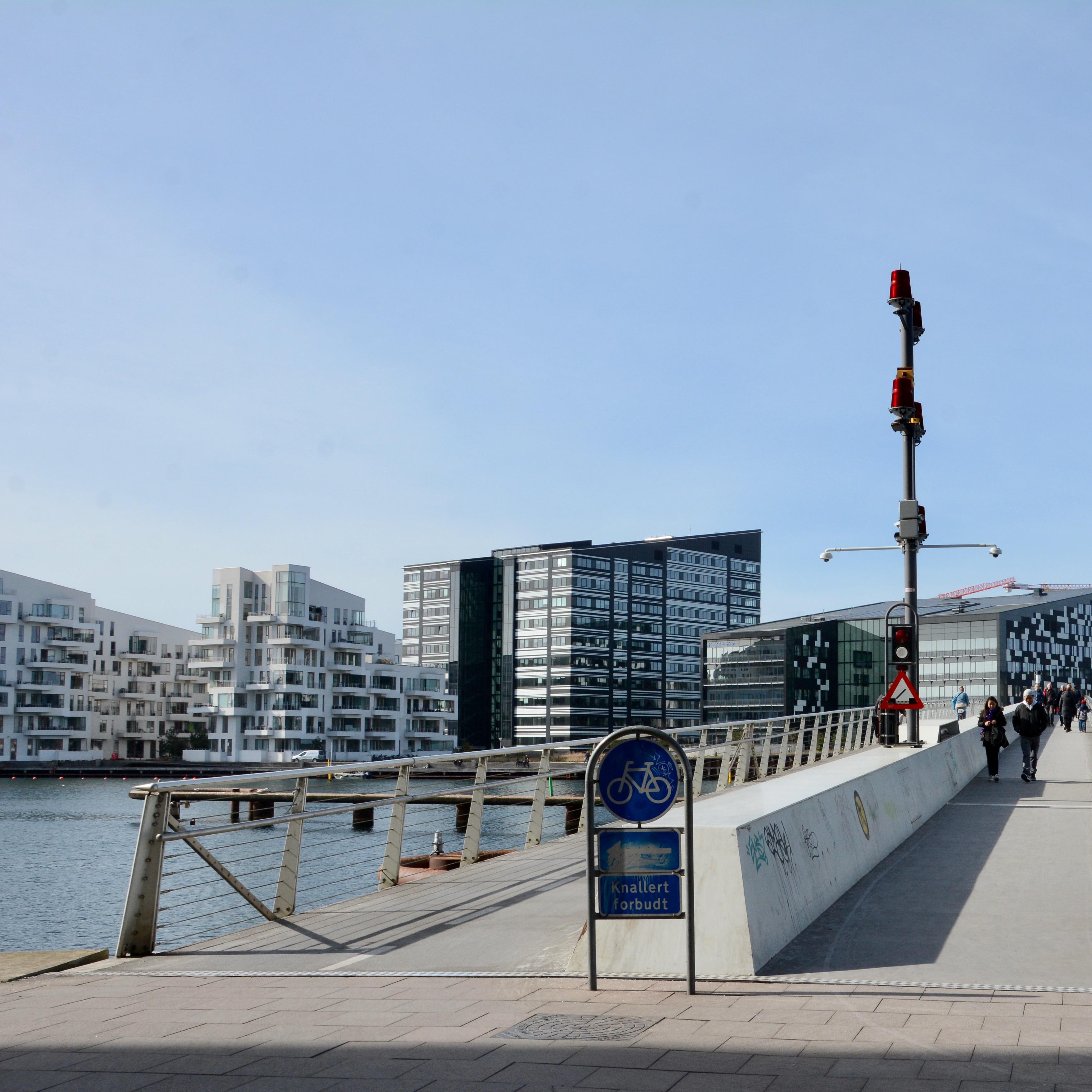travel with kids children Copenhagen Denmark christianshavn cycleznake