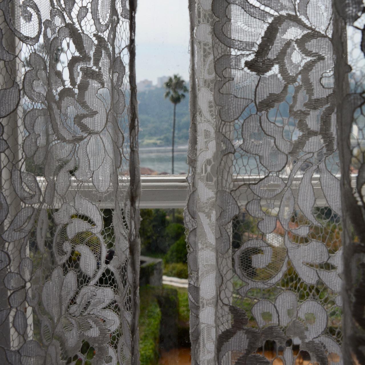 travel with kids children porto portugal romantic museum garden