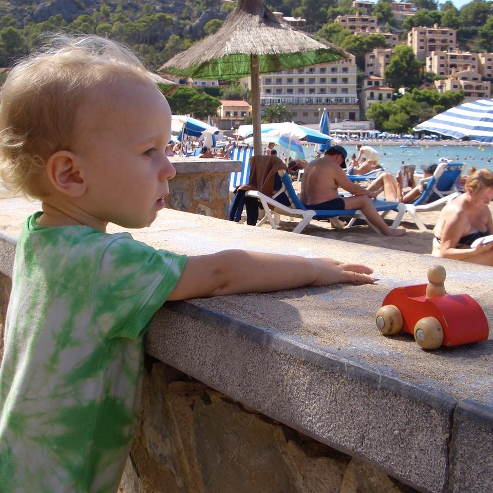 travel with kids children Soller Mallorca Spain port beach playa repic