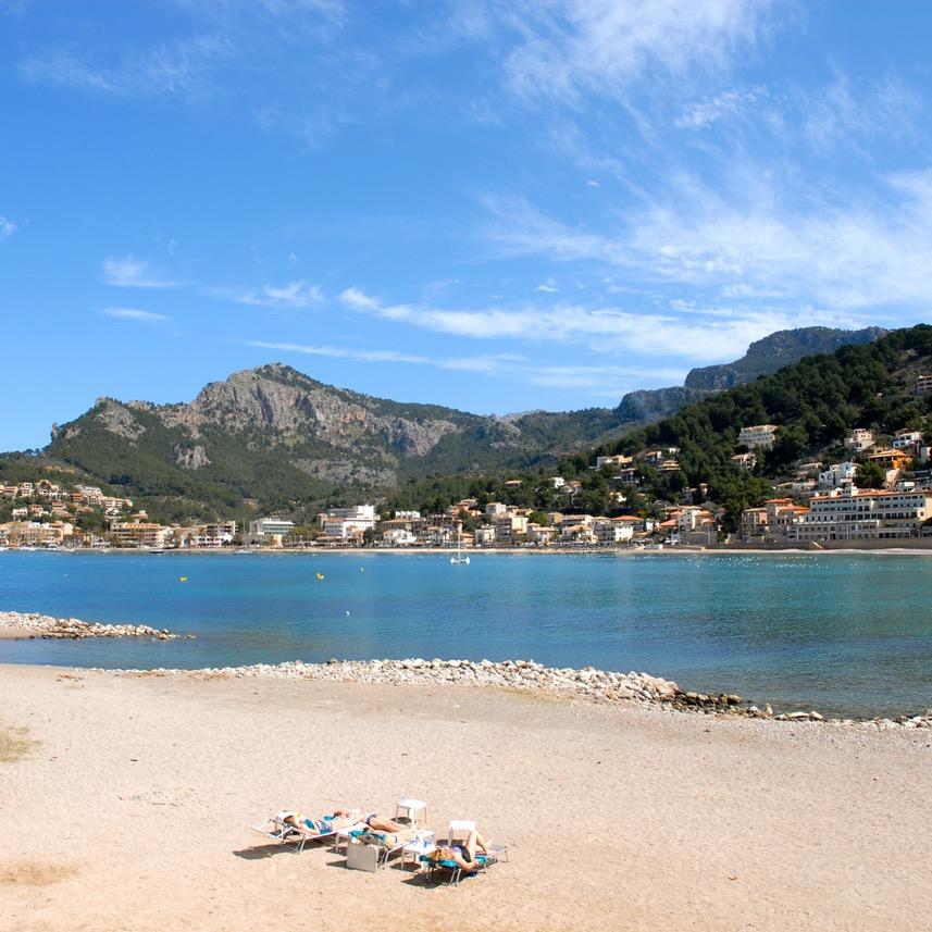 travel with kids children Soller Mallorca Spain playa de repic