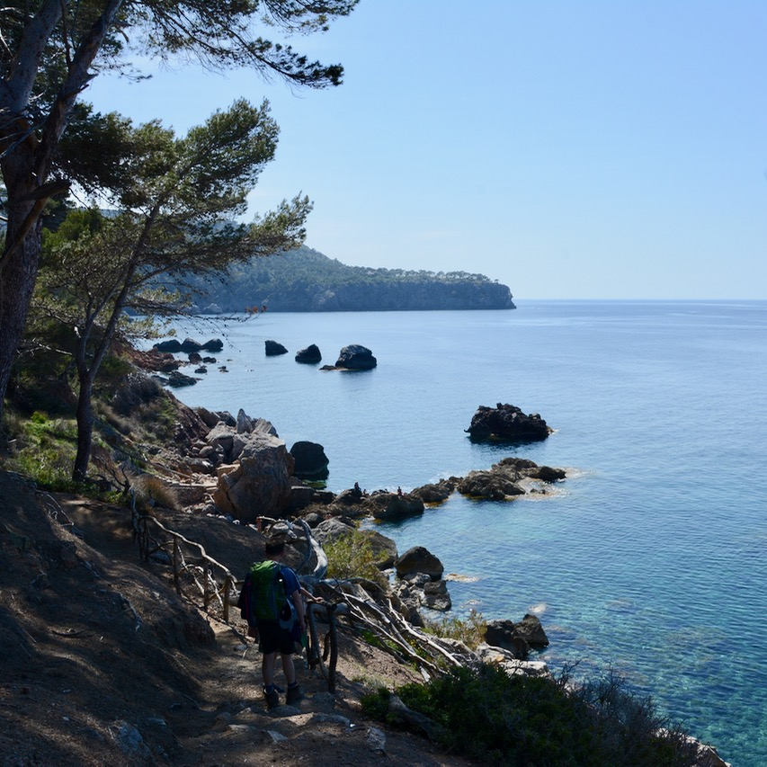 travel with kids children soller mallorca spain coastal hike ben's d'avall to cala deia walking trail