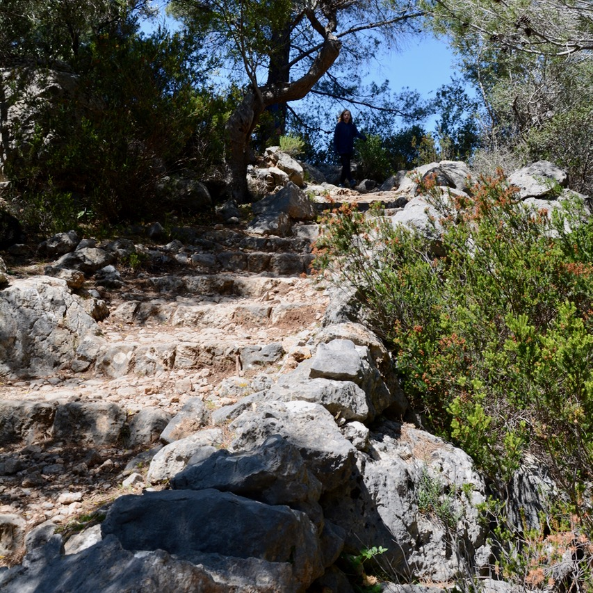 travel with kids children soller mallorca spain hiking cala tuent steps