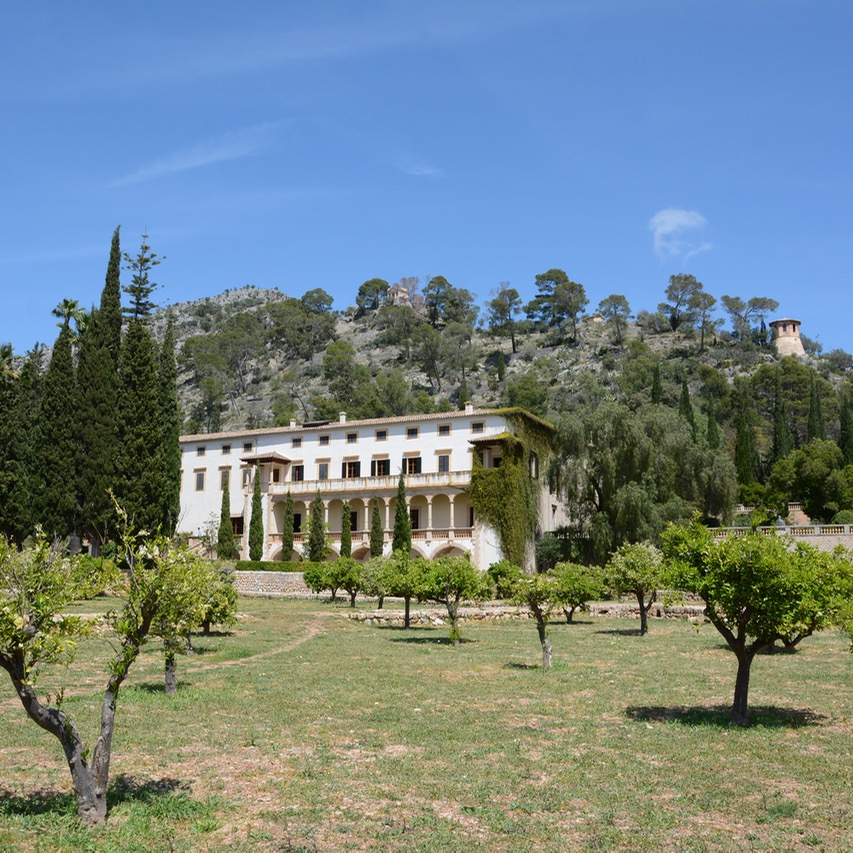 travel with kids children mallorca spain raixa estate grounds
