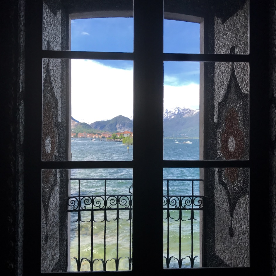 travel with kids children isolated bella lago maggiore italy palazzo borromeo grotto door